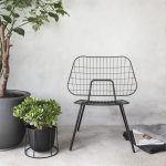 wire pot og string chair