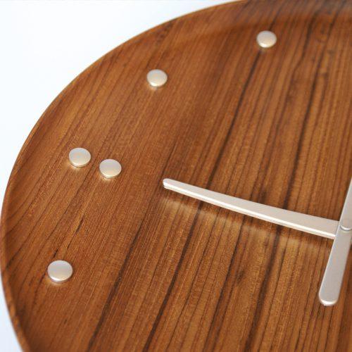 FJ clock vægur ur FORMajour architectmade Finn Juhl tidløs design minimalisme teak
