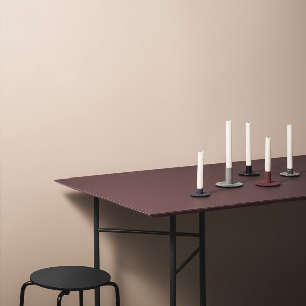 ferm-bordeaux-table