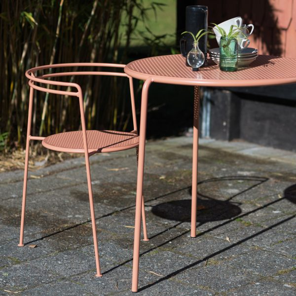 ok design peach point chair and table_