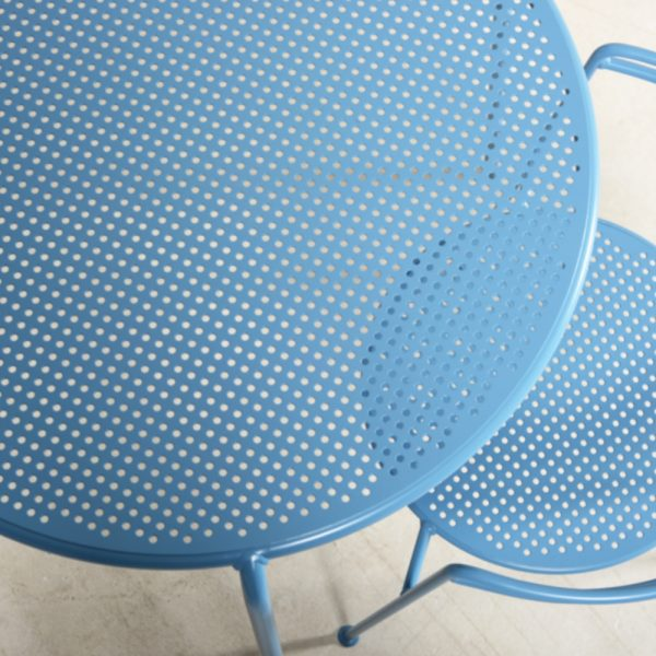 point chair and table blue
